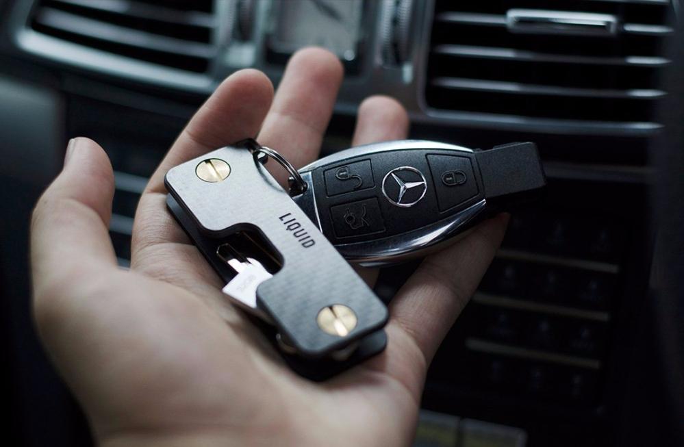 keycaddy_carbon_mercedes_key_1024x1024402x.jpg